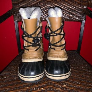 Kids sorel winter boot size 1